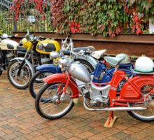 motorcycles-1711872__340